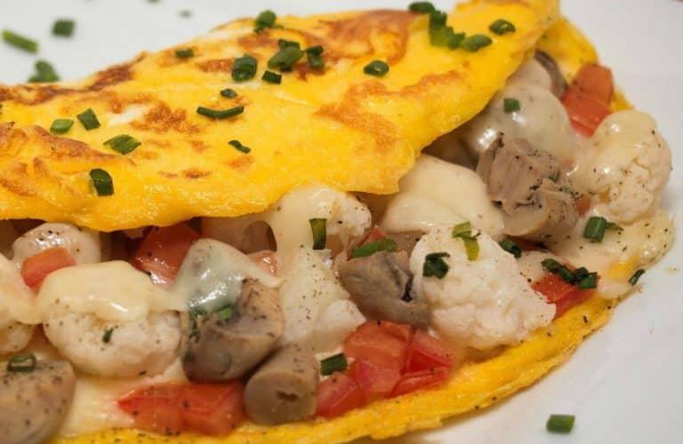 garlic-mushroom-and-dilled-cauliflower-omelet
